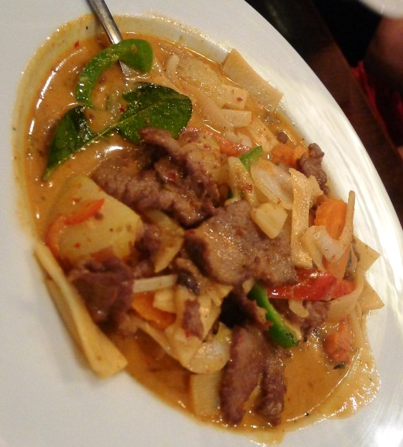 Red curry with beef at Sushi O Bistro, Raleigh- NC Triangle Dining