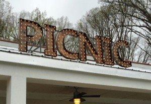 Picnic-SignageDay