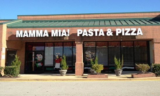 Front of Mamma Mia in Apex, NC Triangle Dining