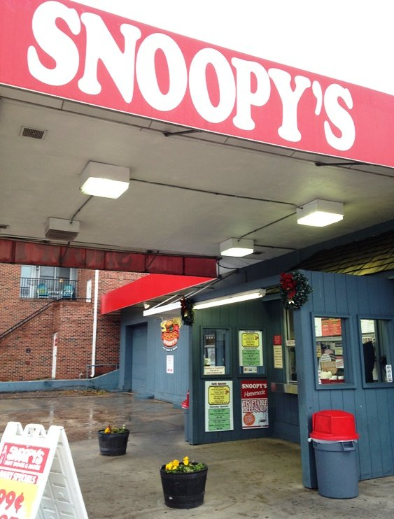 Outside of Snoopy's in Raleigh, NC Triangle Dining