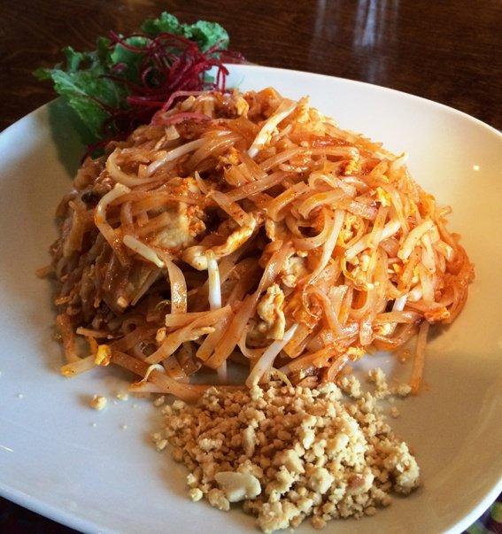 Pad thai at Tom Yum Thai, Cary- NC Triangle Dining