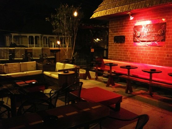 FlashHouse-Patio