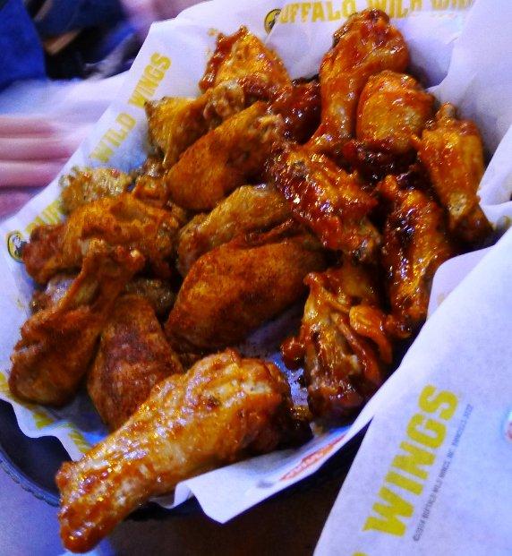 Medium wings (garlic-parmesan, mango-habanero) at Buffalo Wild Wings, Morrisville- NC Triangle Dining