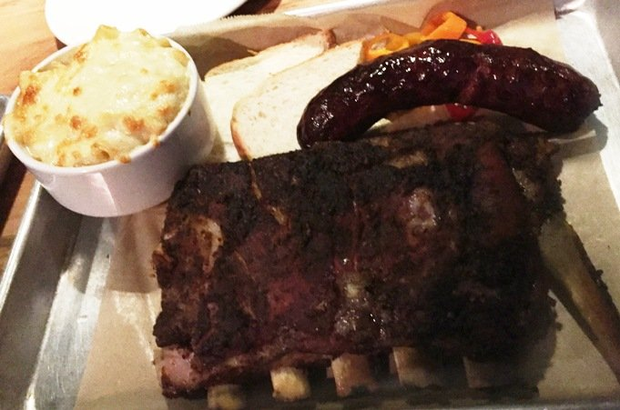 Mac n cheese, ribs and hot link at Bare Bones in Raleigh- NC Triangle Dining