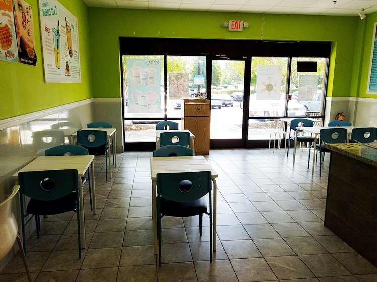 Seating area at Quickly in Morrisville - NC Triangle Dining