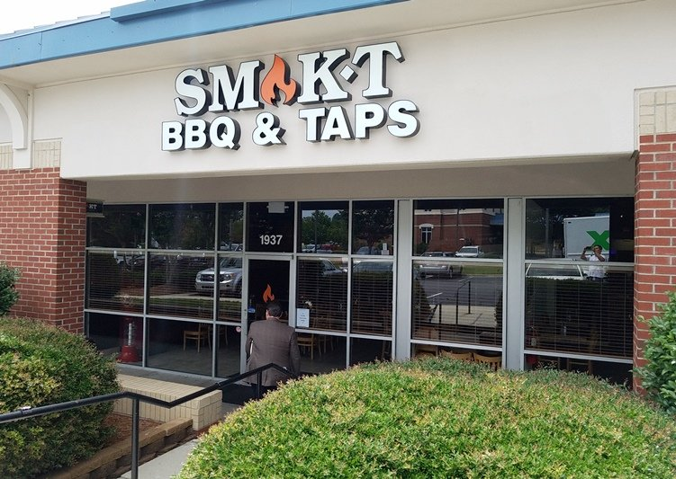 Front of Smok't BBQ & Taps in Cary - NC Triangle Dining
