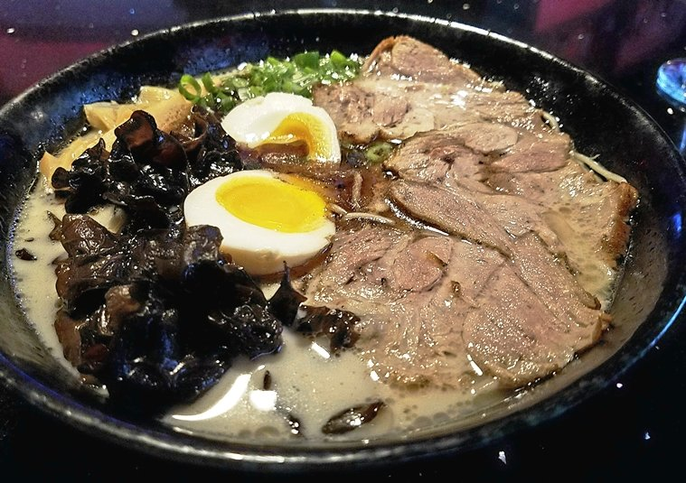Tonkotsu ramen at Sono Sushi in Raleigh - nctriangledining.com