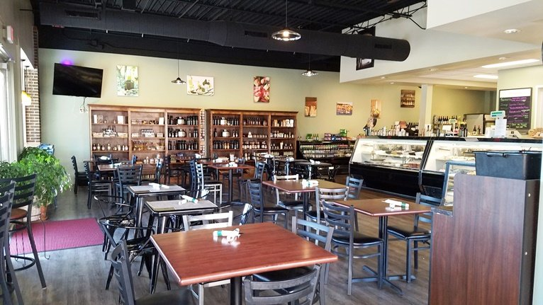 Dining area for Pro's Epicurean Market and Cafe in Cary - nctriangledining.com