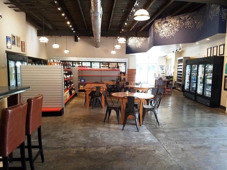 Retail area at Brookside Market & Pizza in Raleigh - nctriangledining.com