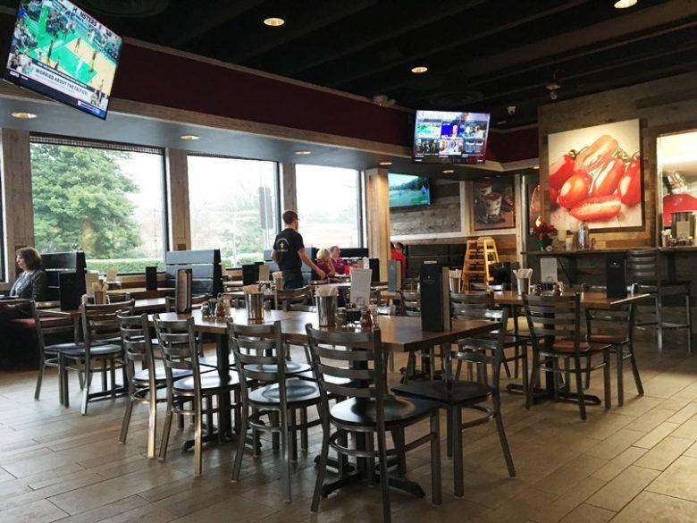 Dining room at Pizza La Stella in Cary - nctriangledining.com