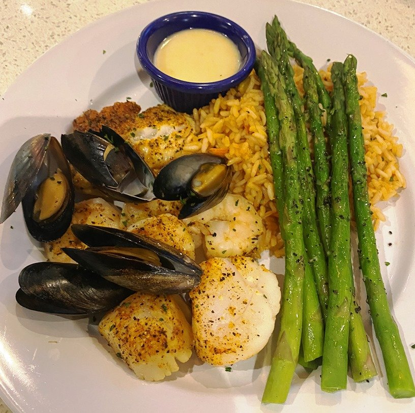 Broiled seafood platter at Cape Fear Seafood Company in Raleigh - nctriangledining.com